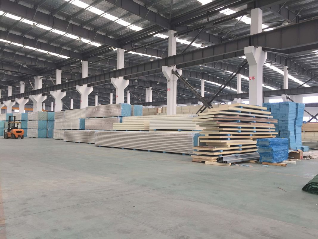 50mm ~250mm Thick PUR Insulation Sandwitch Panel Max. 16 Meter Long